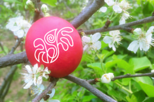 Uovo-rosso-simbolo-rinascita
